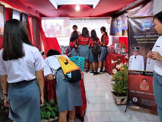 Stand SMA Negeri 9 Manado di Pameran pembangunan HUT SULUT ke 54.