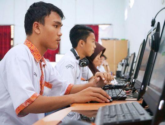 496 siswa SMA N 9 Manado ikuti Simulasi UNBK