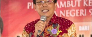 Drs. Meidy Tungkagi, M.Si
