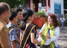 Creative Adventures, Inc – RELO US Embassy  bantu SMA N 9 Manado majukan literasi