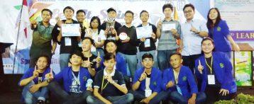 Tim Robot Sabet 2 Piala sekaligus. Juara 1 dan 4.